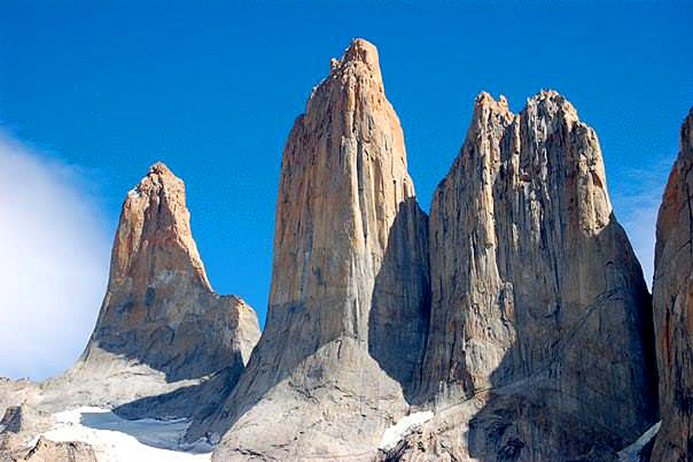 Rob-Noonan-Patagonia-sharp-granite-plutons